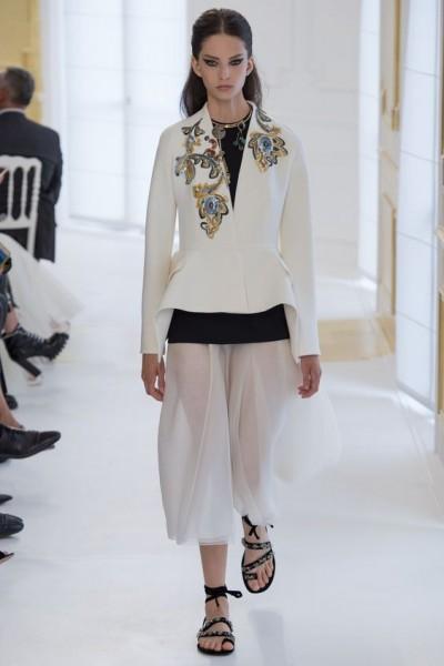 Christian-Dior-pokaz-osen-zima-modnie-trendy-FW2016-2017-01