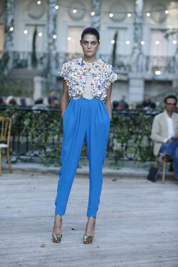 Образы с яркими брюками
