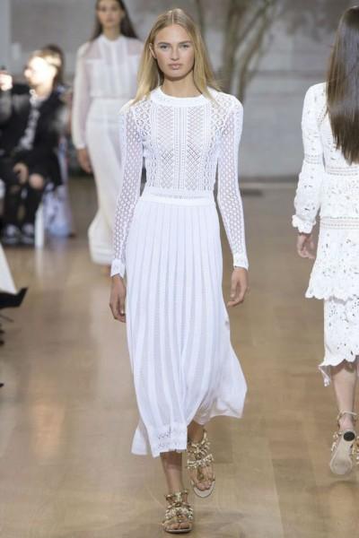 Весеннее стильное платье