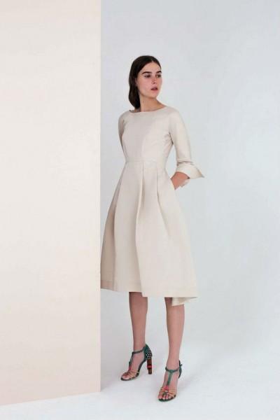 Классическое светлое платье
