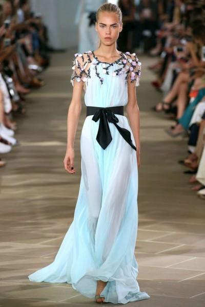 платье цвета морской воды