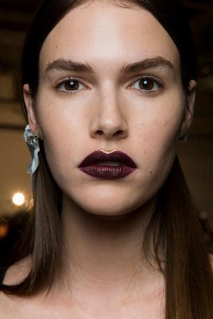 Стильный макияж губ