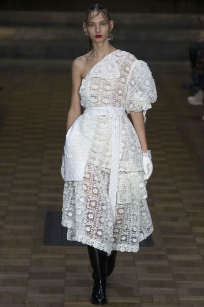 платья с полупрозрачной юбкой