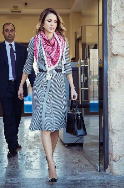 деловой стиль одежды платье