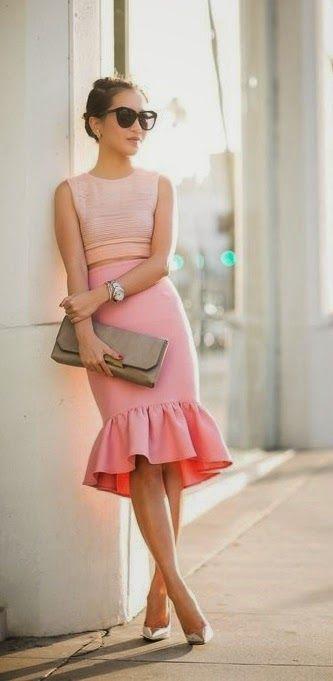 кроп-топ и юбка с высокой талией