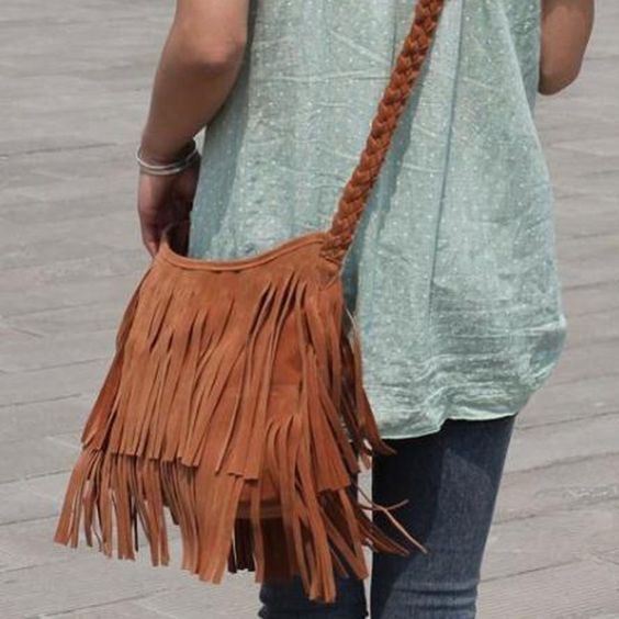 с чем носить сумку с бахромой