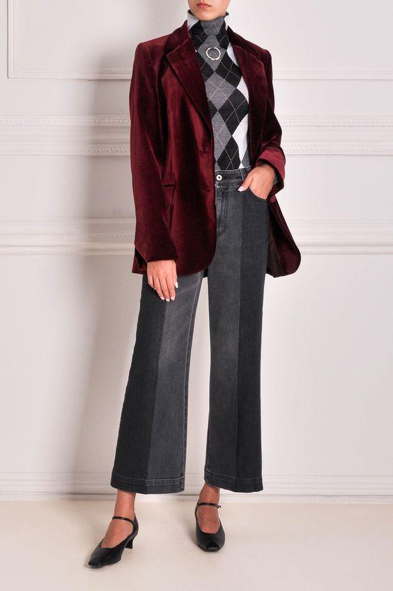 бордовый пиджак в образе