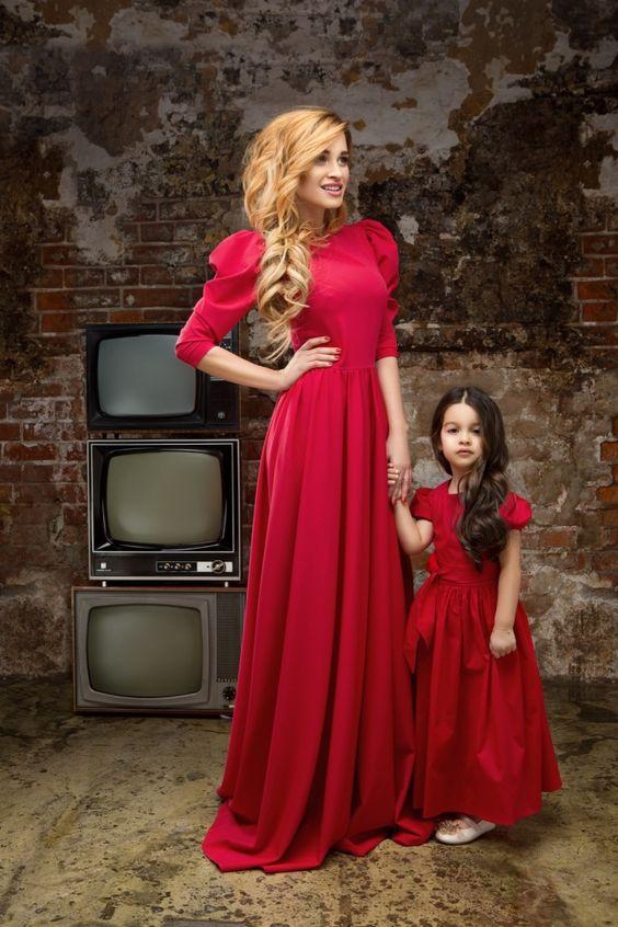 как подобрать платья для мамы и дочки