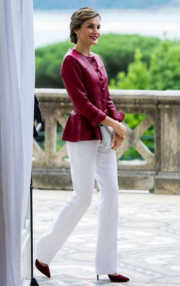 оттенки красного в одежде
