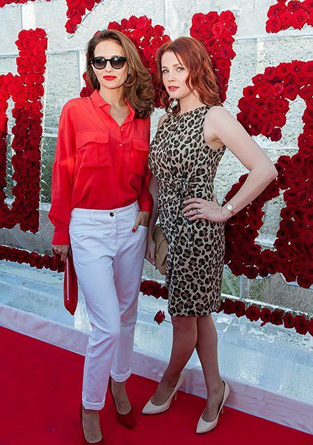 сочетание красного с белым в одежде