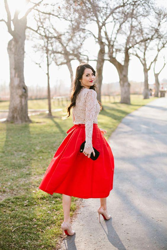 образ с красной юбкой