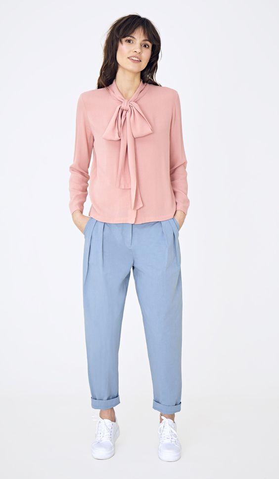 розовая блузка с рукавом