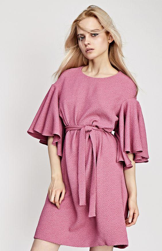 красивое розовое платье