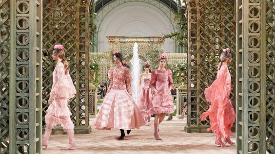 розовый в гардеробе взрослой женщины
