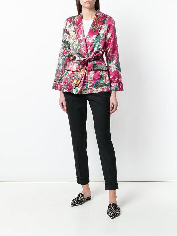розовые элементы гардероба