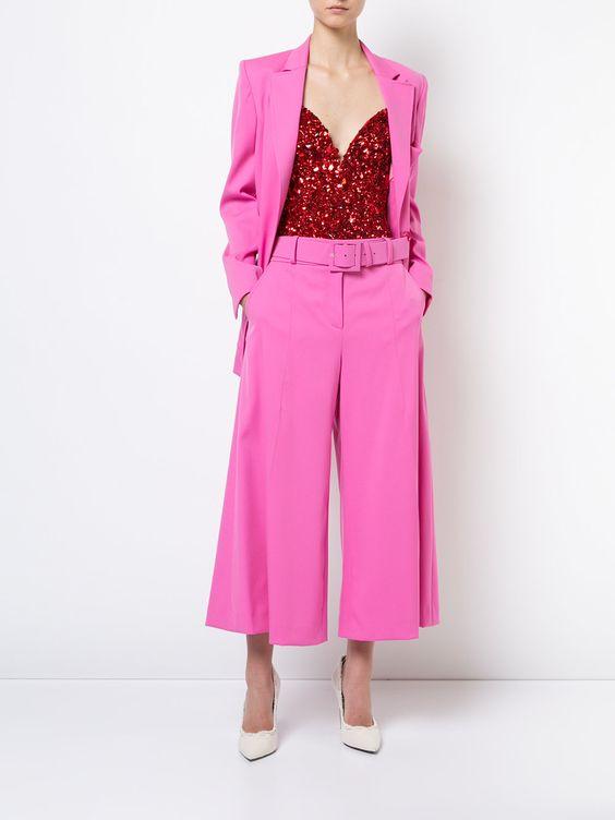 розовый комплект для девушки