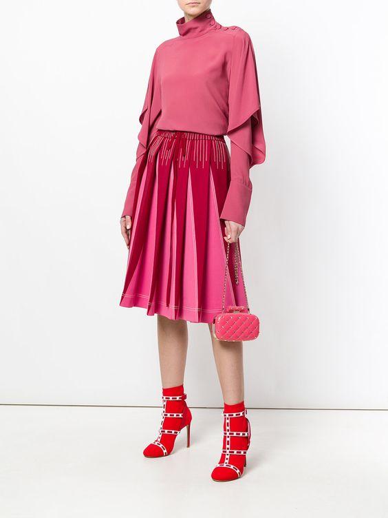стильный розовый комплект